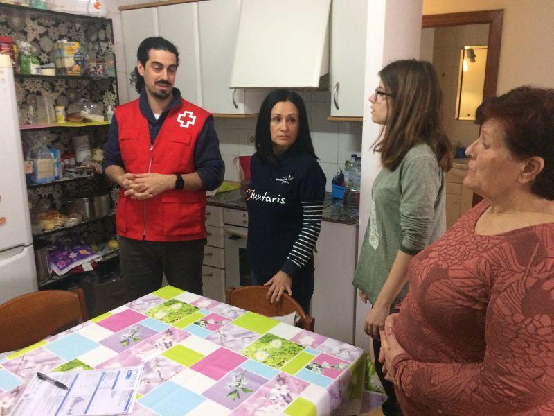 Creu Roja Sabadell i la Fundació Gas Natural Fenosa posen en marxa un projecte per reduir la despesa energètica a les llars