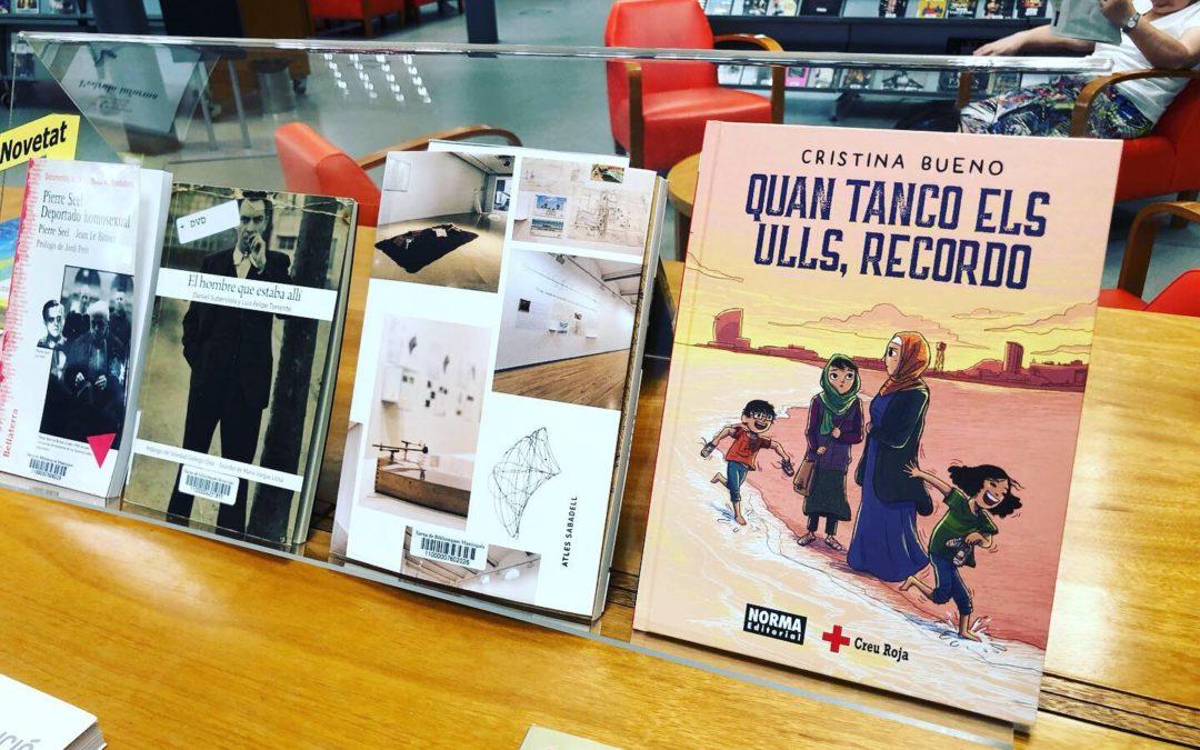 Creu Roja Sabadell fa entrega a les biblioteques municipals d'una vintena d'exemplars del còmic 'Quan tanco els ulls, recordo'