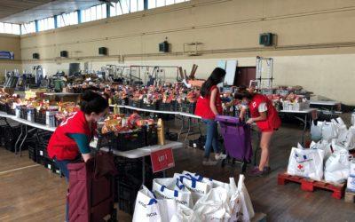 Creu Roja reforça el repartiment d'aliments a Badia del Vallès