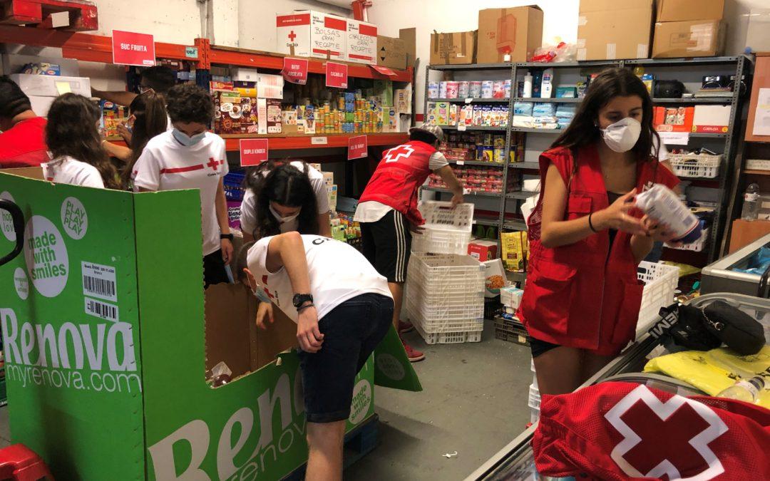 Creu Roja Sabadell recull més de quatre tones d'aliments en col·laboració amb la Fundación Solidaridad Carrefour